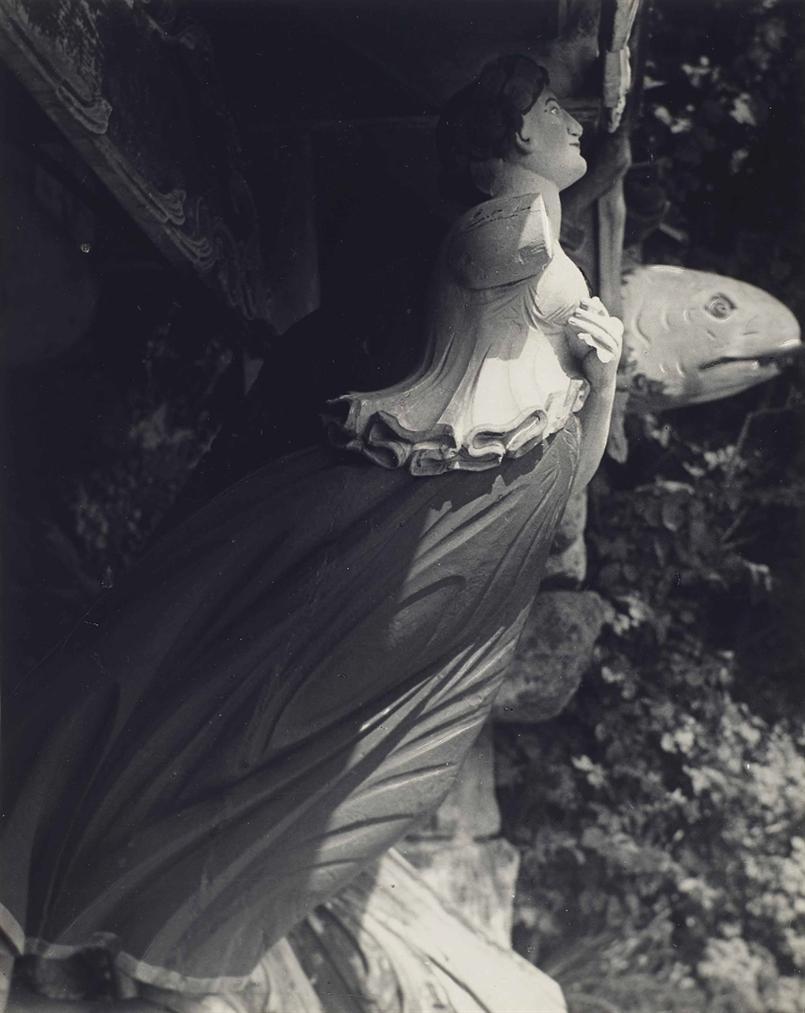 Bill Brandt-Au Cimetiere Des Anciennes Galeres, Iles Scilly-1934