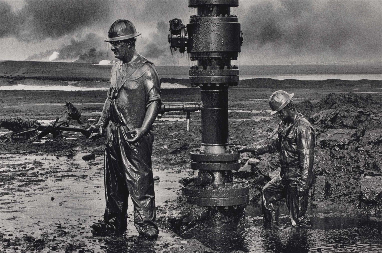 Sebastiao Salgado-Greater Buhrman Oil Field, Kuwait-1991