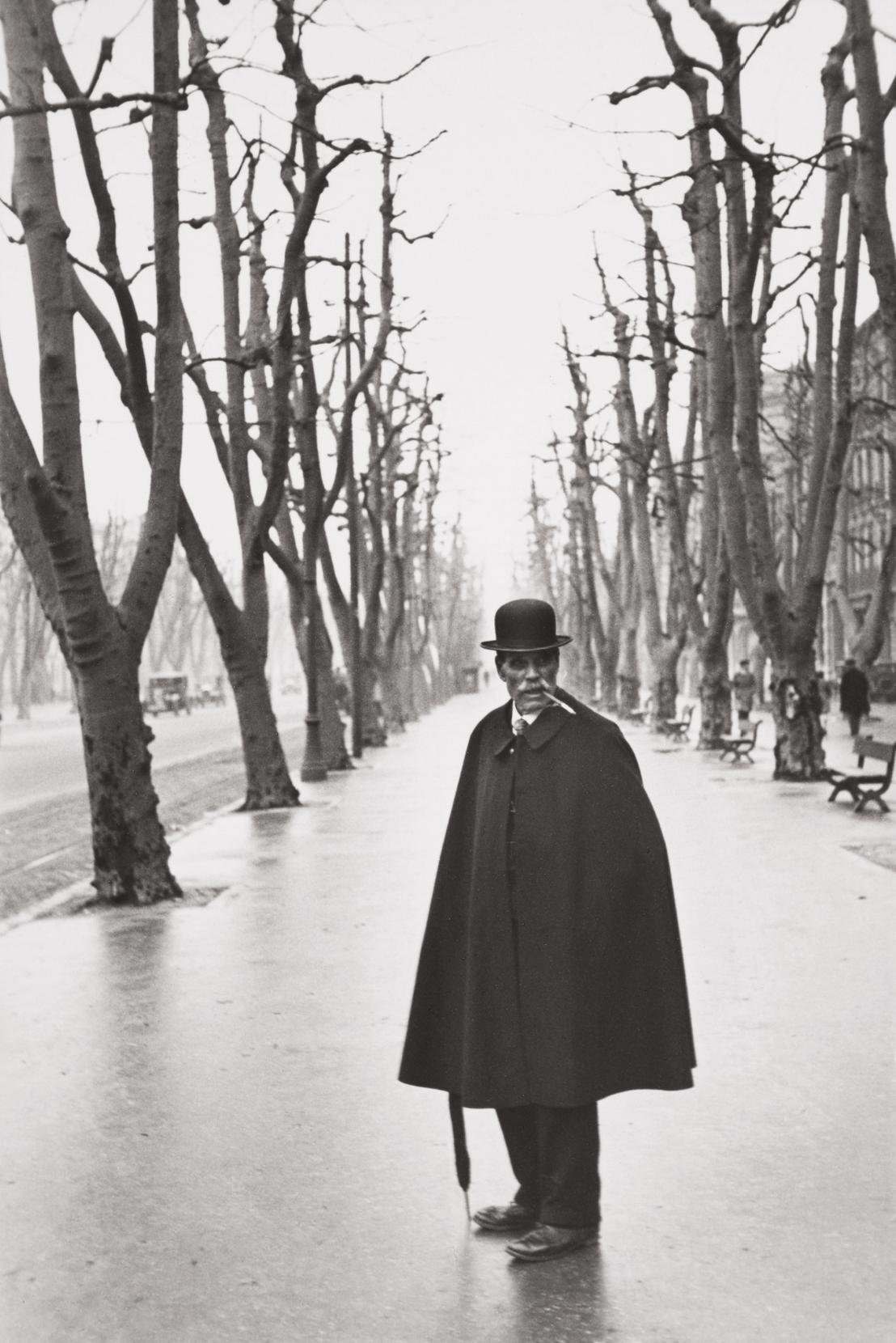 Henri Cartier-Bresson-Allee Du Prado, Marseille, France-1932