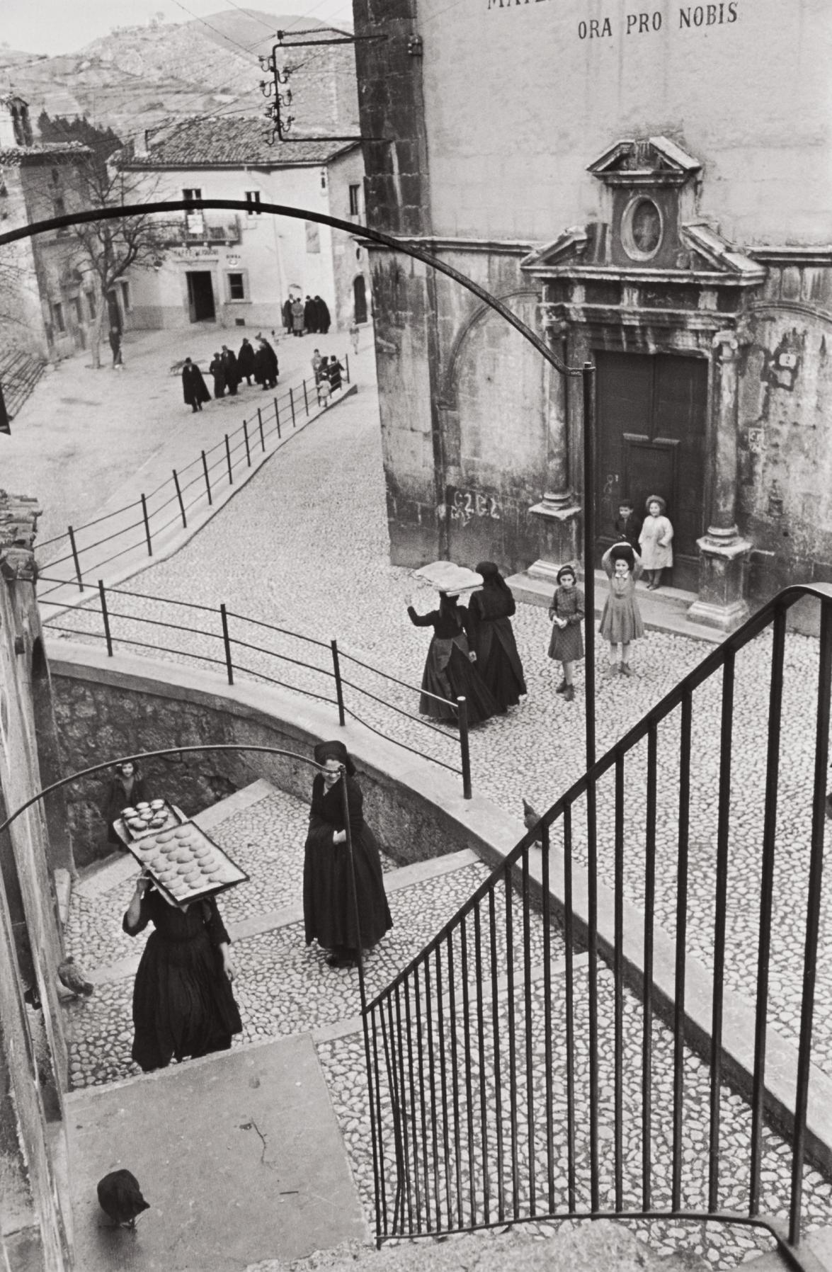 Henri Cartier-Bresson-Scanno, Laquila, Abruzzo, Italy-1951