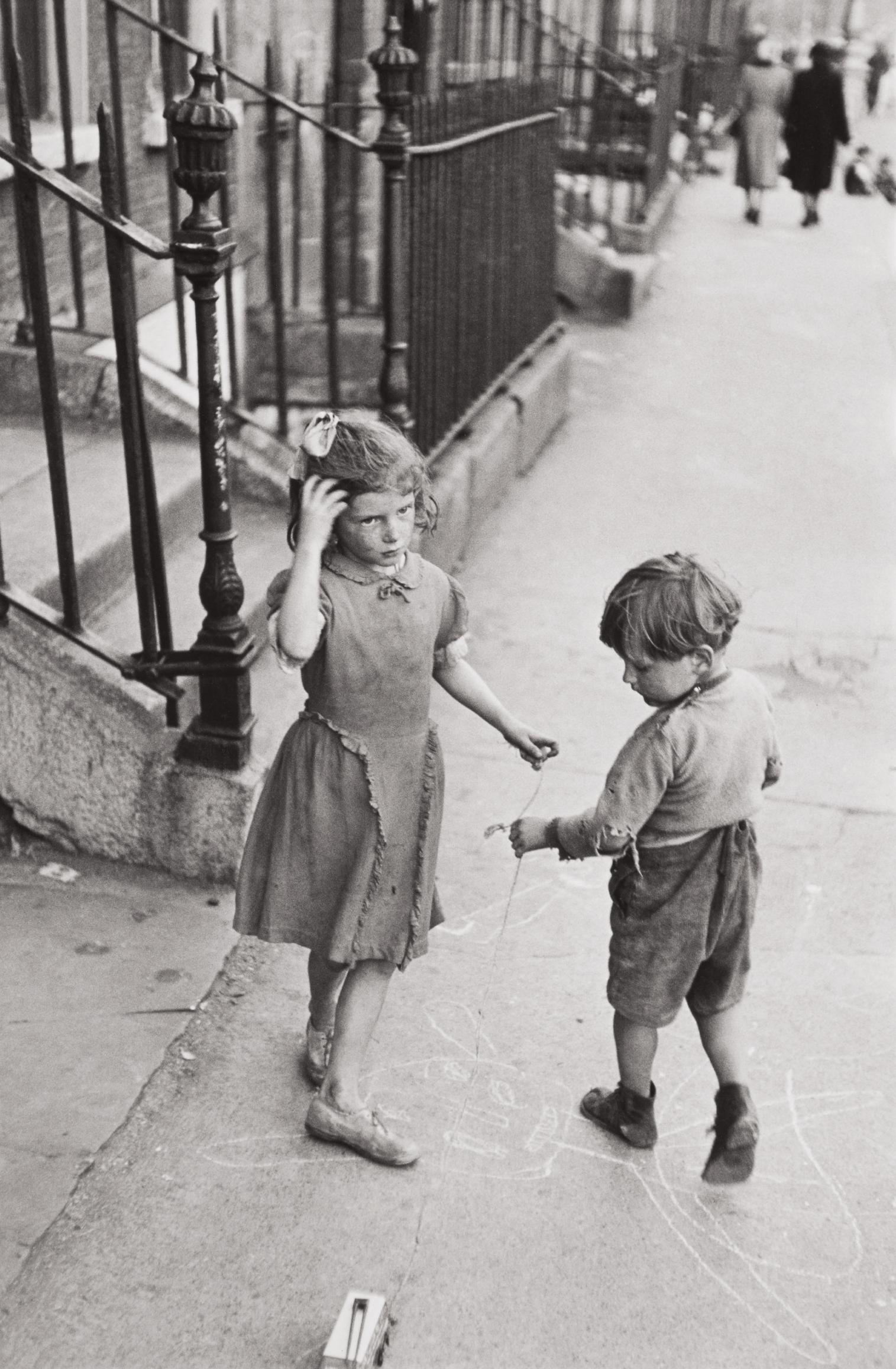 Henri Cartier-Bresson-Dublin, Ireland-1952
