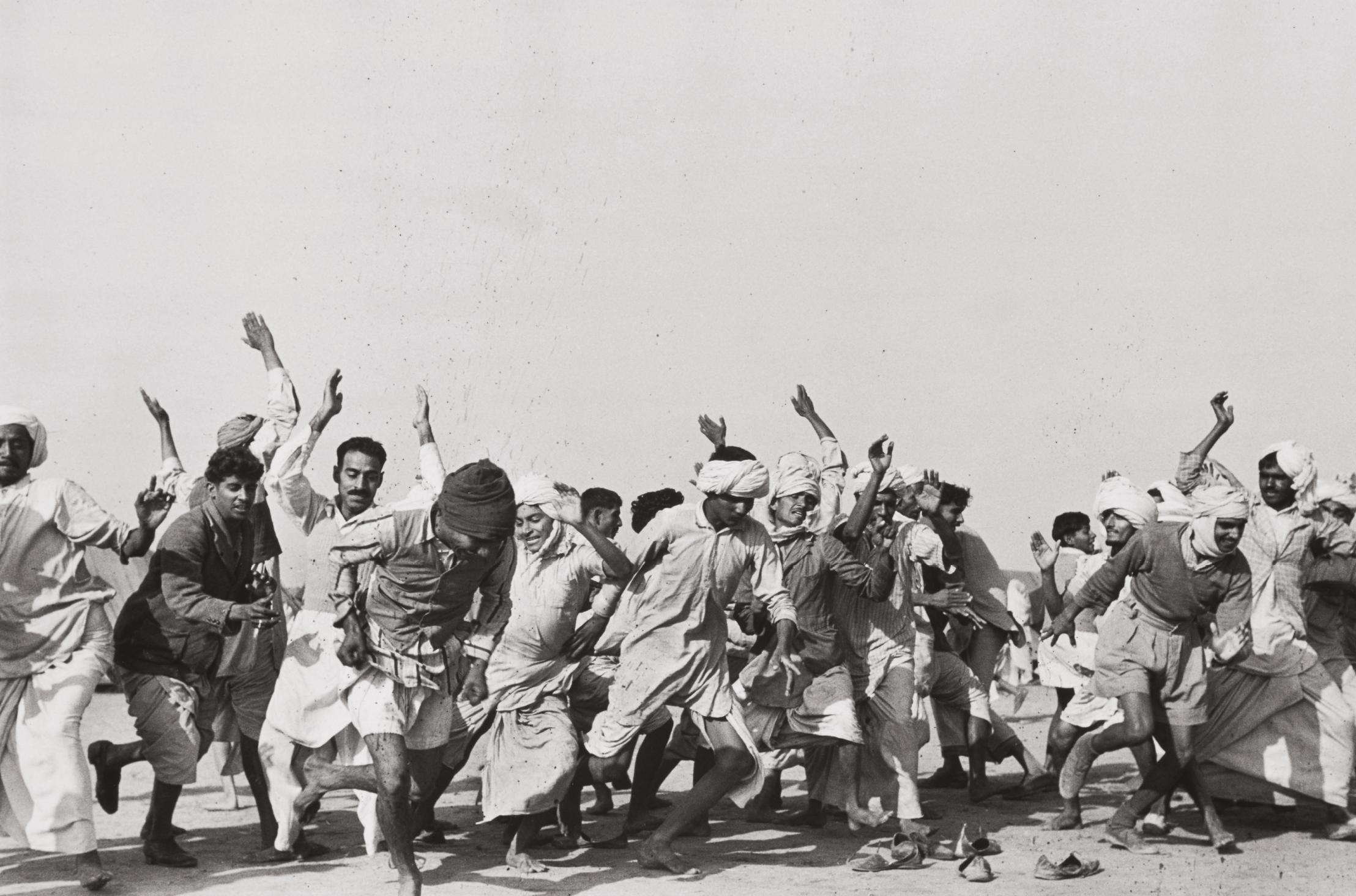 Henri Cartier-Bresson-Games In A Refugee Camp At Kurukshetra, Punjab, India-1947