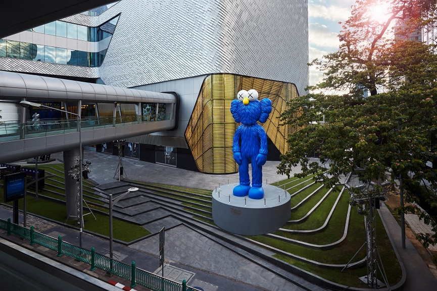 KAWS, BFF, installation view, Central Embassy, Bangkok, 2016. Courtesy the artist.