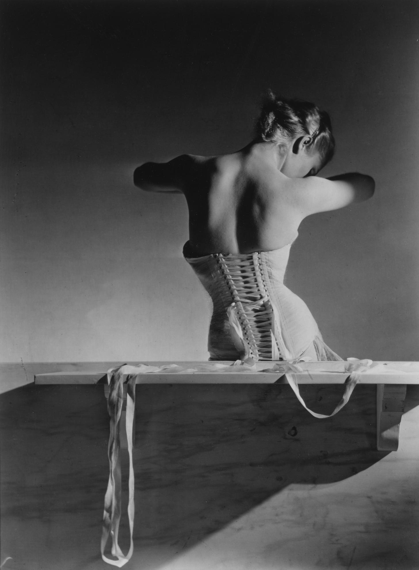 Horst P. Horst-Corset, Paris (Mainbocher Corset)-1939