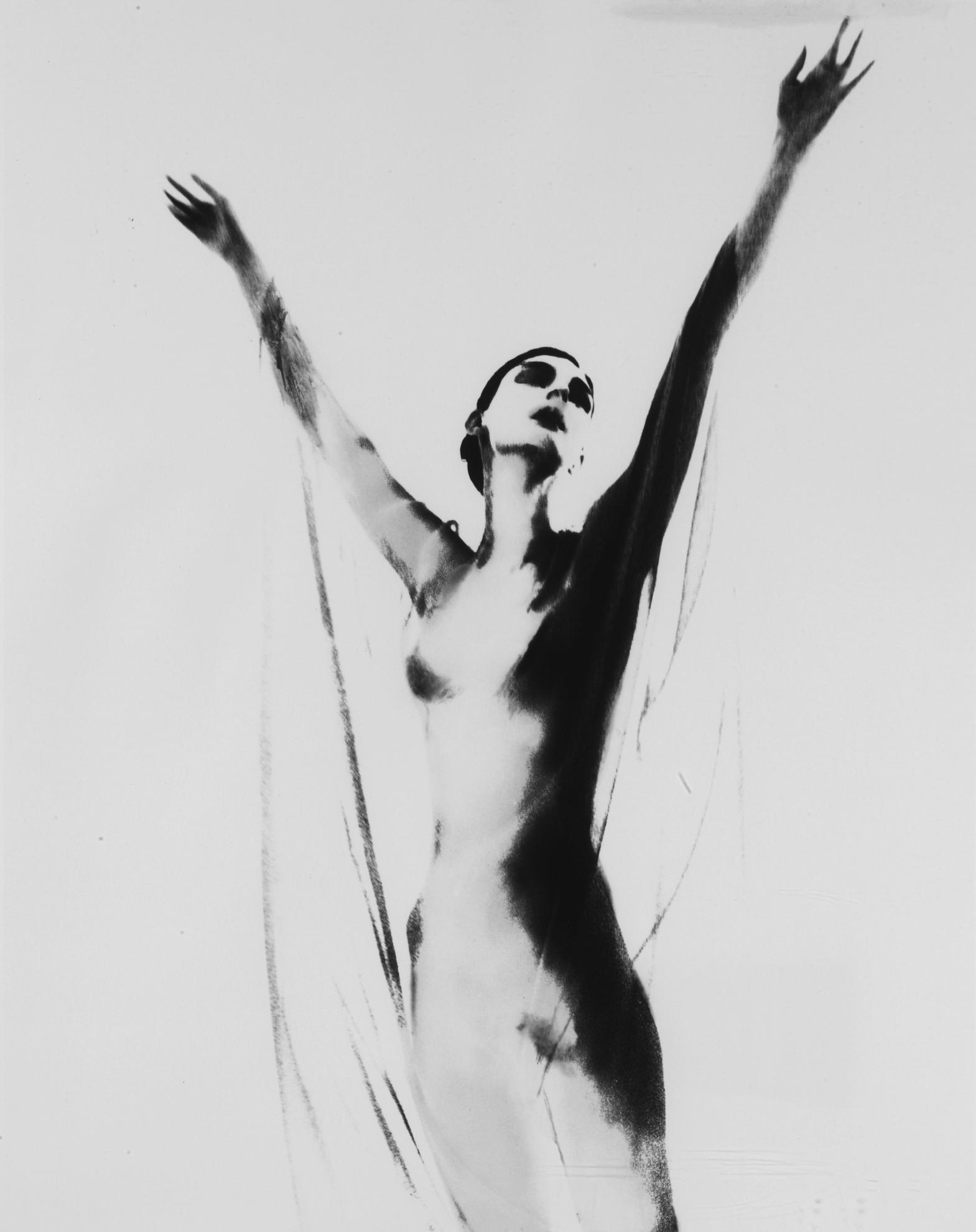 Lillian Bassman-Anneliese Seubert-1999