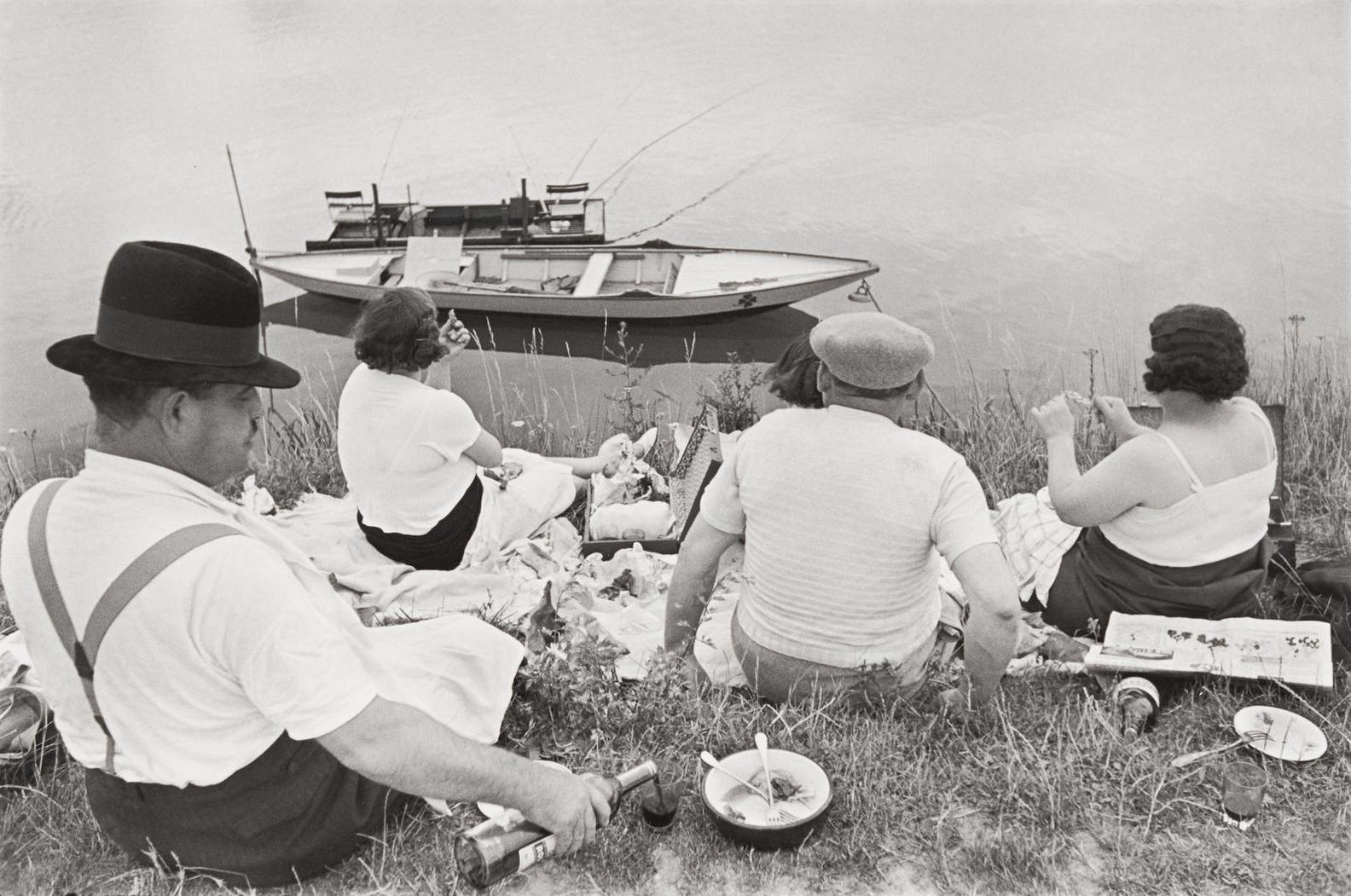 Henri Cartier-Bresson-On The Banks Of The Marne-1938