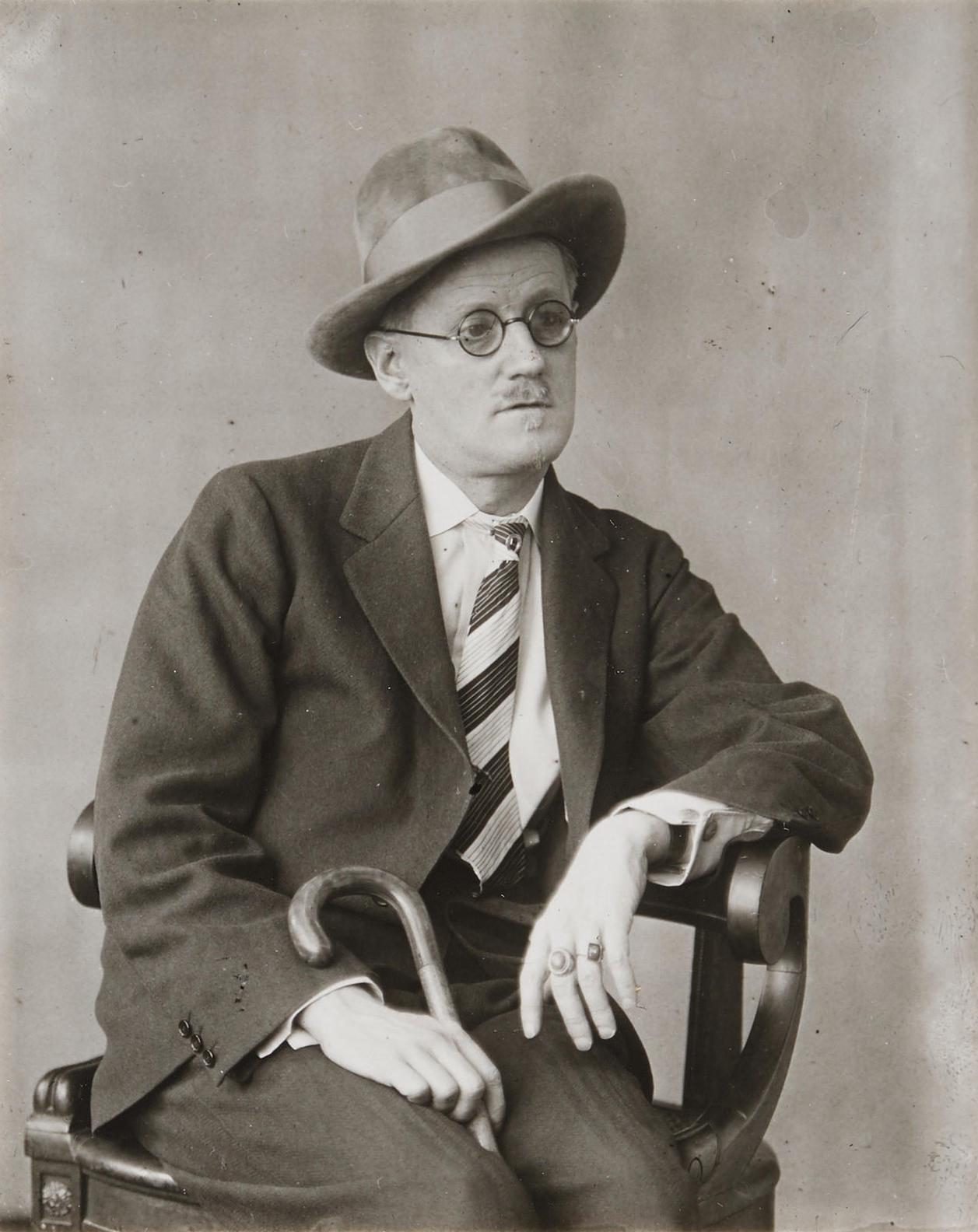 Berenice Abbott-James Joyce-1928