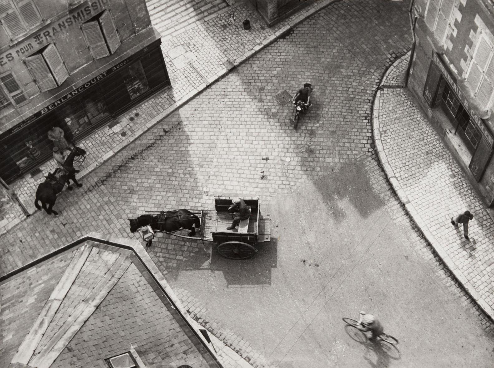 Andre Kertesz-Carrefour, Blois-1930