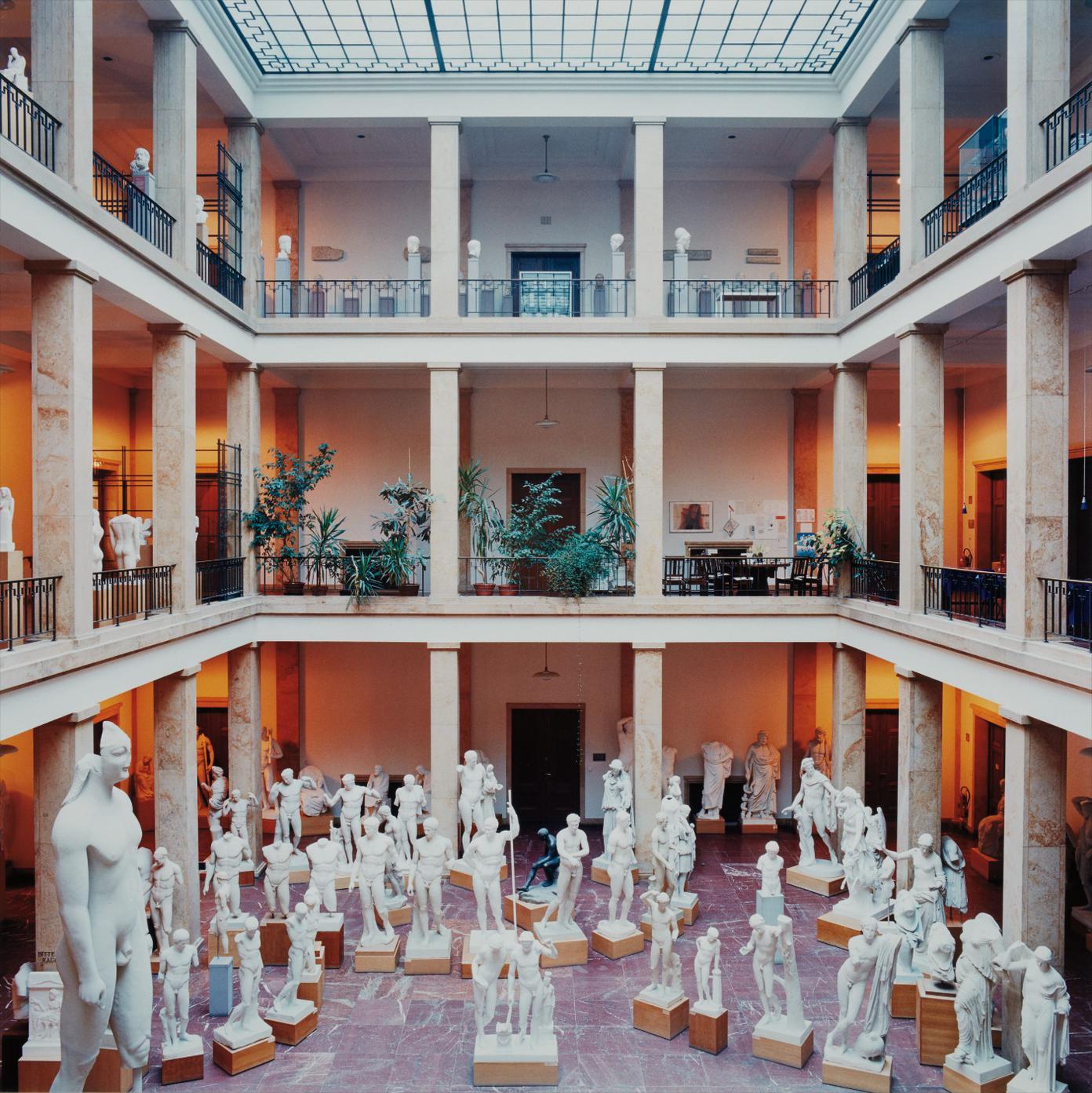 Candida Hofer-Zentralinstitut Fur Kunstgeschichte Munchen Iv-2000