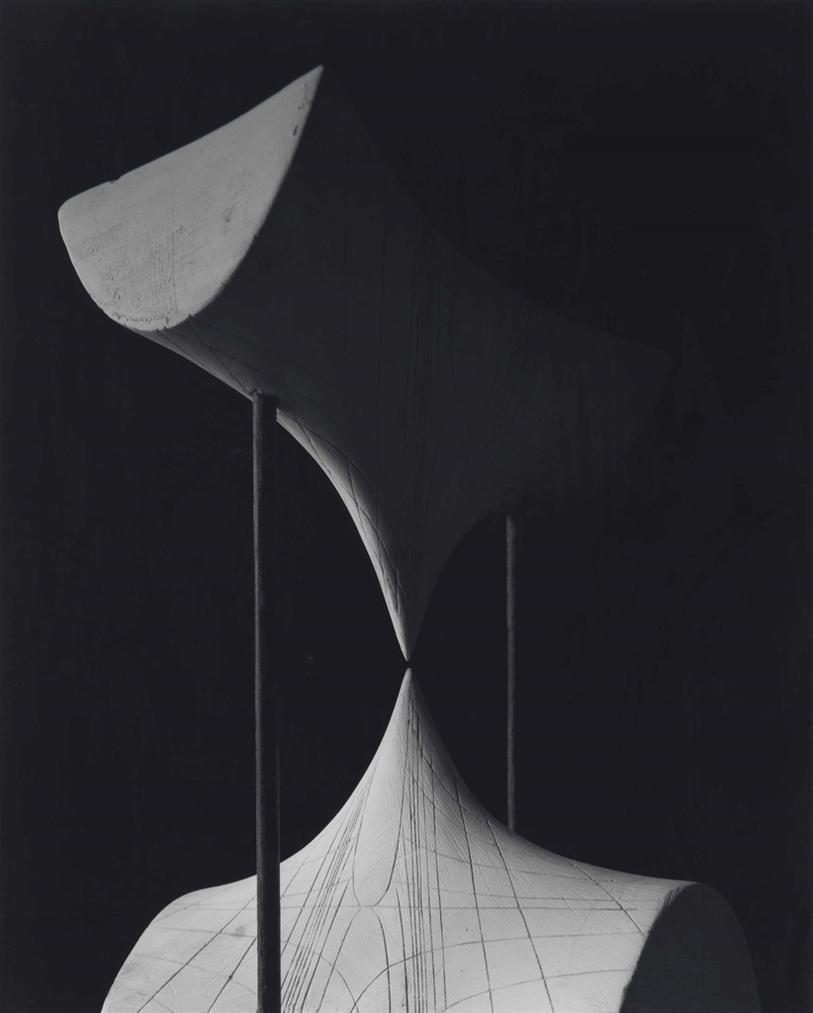 Hiroshi Sugimoto-Conceptual Forms 0008-2004