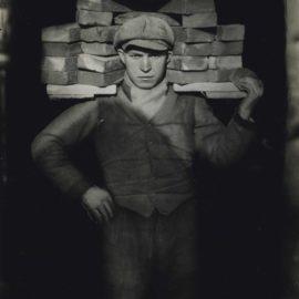 August Sander-Bricklayer-1928