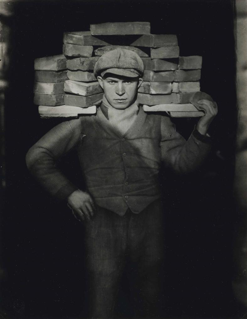 August Sander-Bricklayer-1928