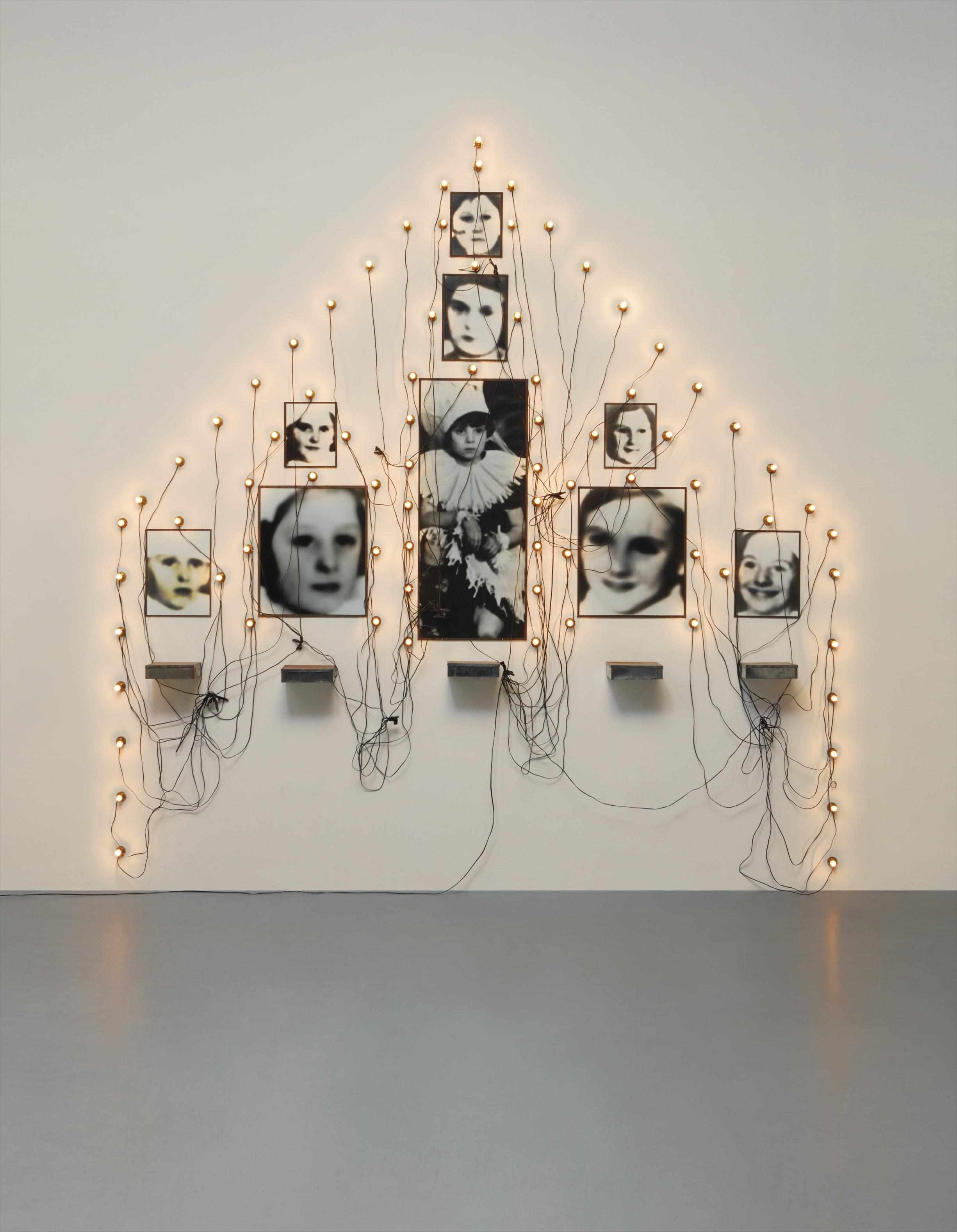 Christian Boltanski-Untitled-1989
