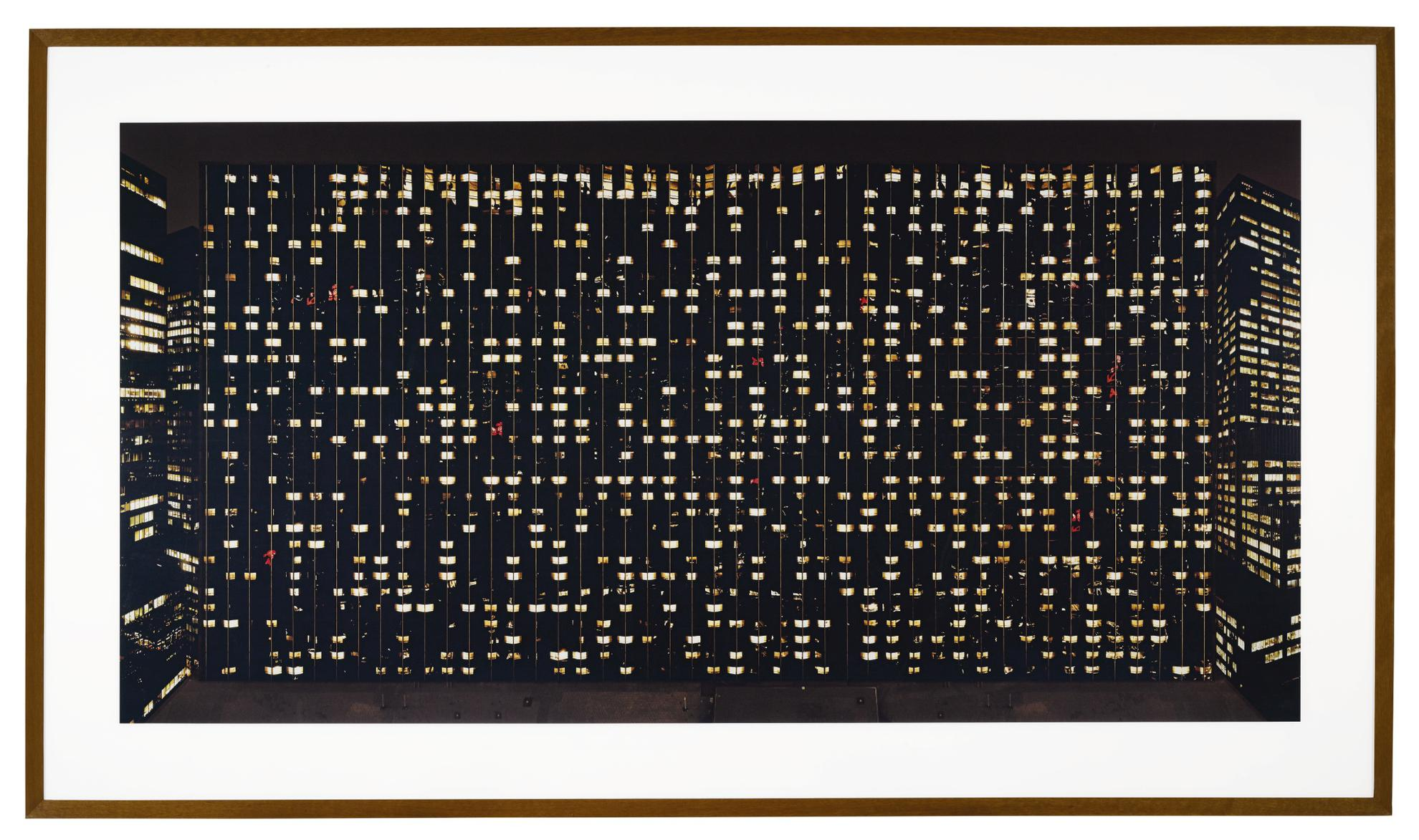 Andreas Gursky-Avenue Of The Americas-2001