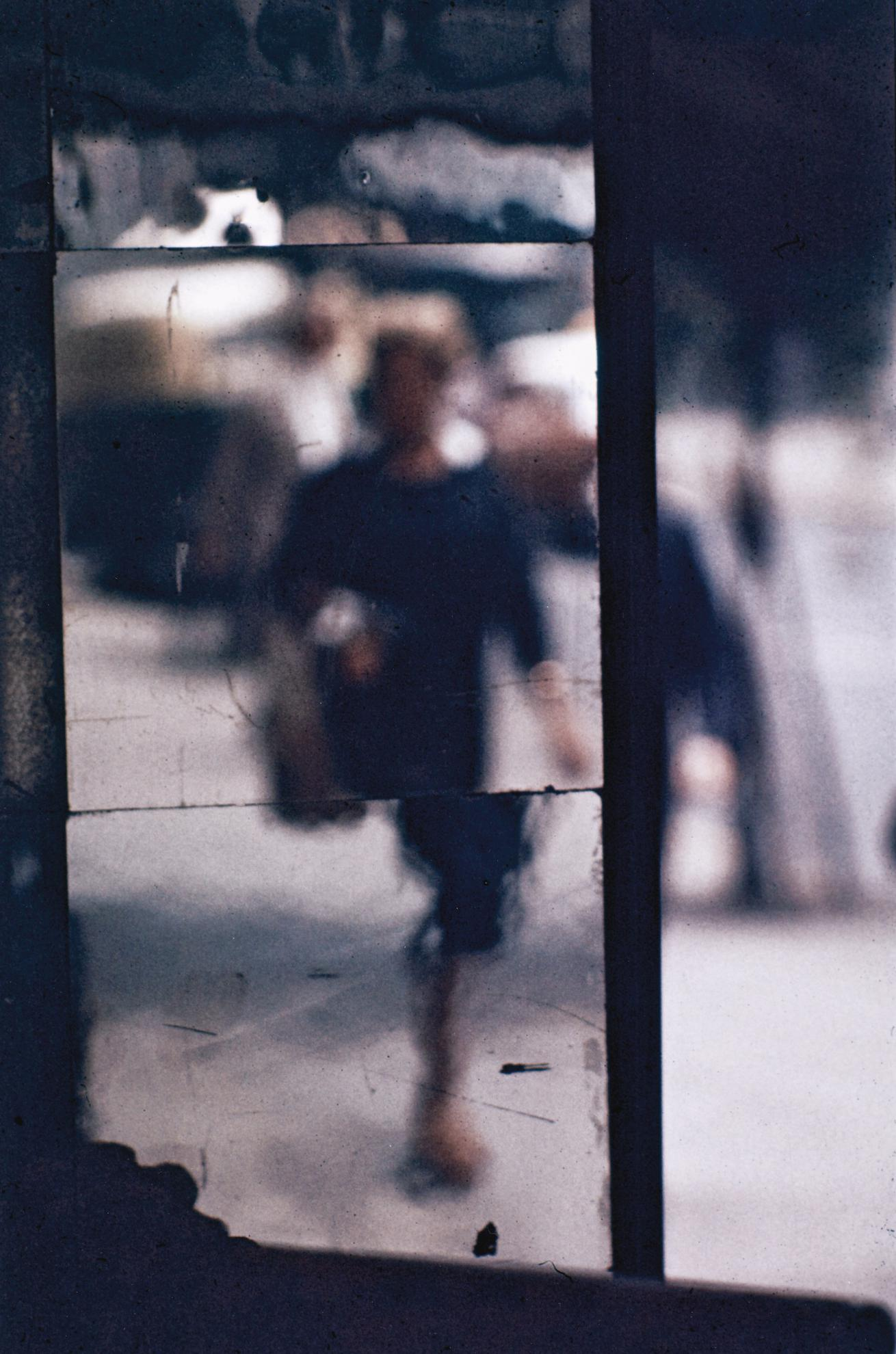 Saul Leiter-Shopper-1953