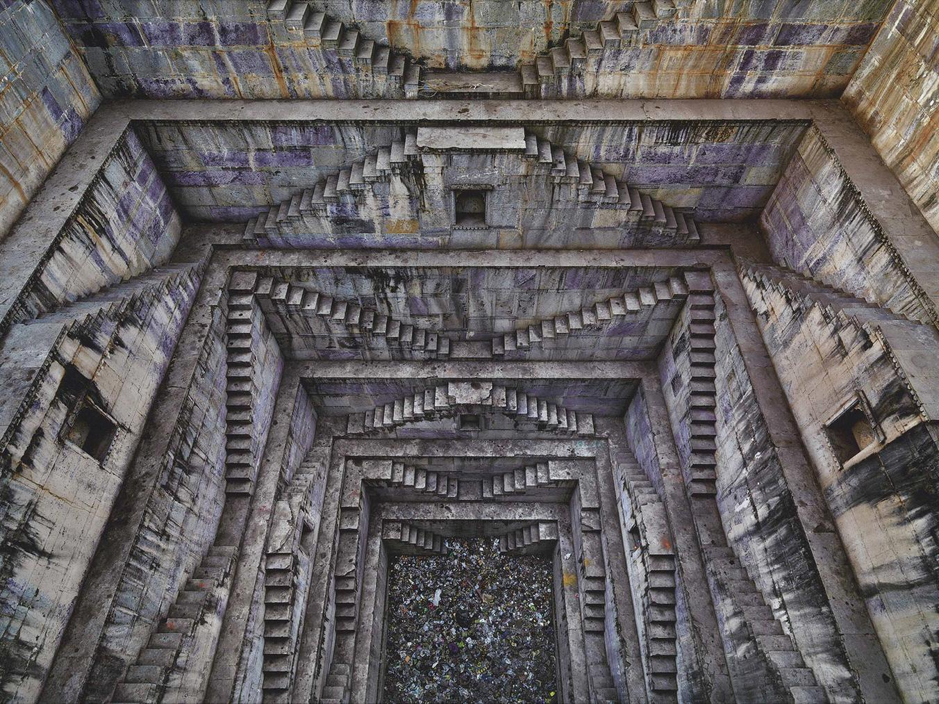 Edward Burtynsky-Stepwell #4, Sagar Kund Baori, Bundi, Rajasthan, India-2010