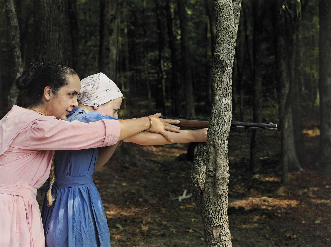 Lucas Foglia-Rita And Cora Aiming, Tennessee-2010