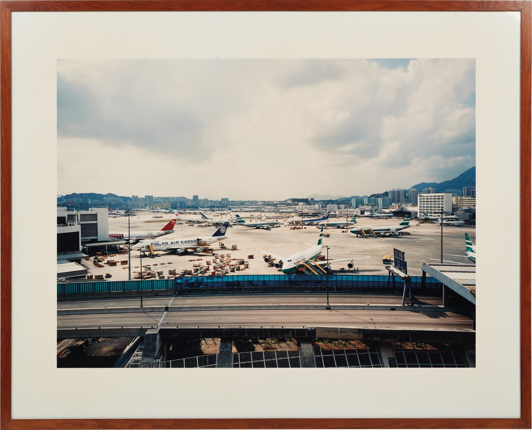 Andreas Gursky-Hong Kong Flughafen (Hong Kong Airport)-1994