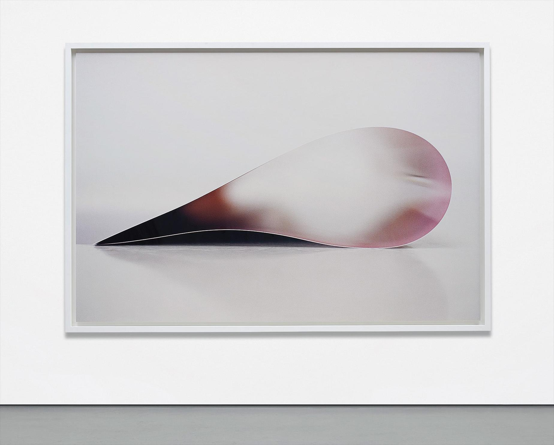 Wolfgang Tillmans-Paper Drop (Star) II-2007
