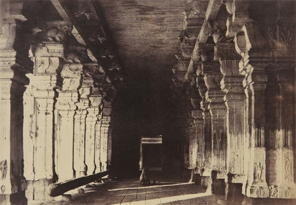 Captain Linnaeus Tripe-Madura, The Great Pagoda, Veeravasuntharoyas Munduppum-1858