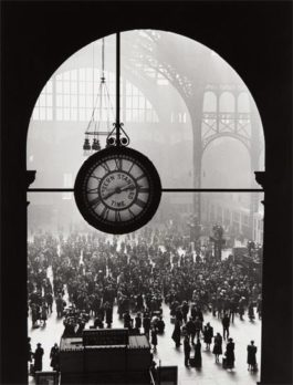 Alfred Eisenstaedt-Farewell To Servicemen, Pennsylvania Station, New York City-1943