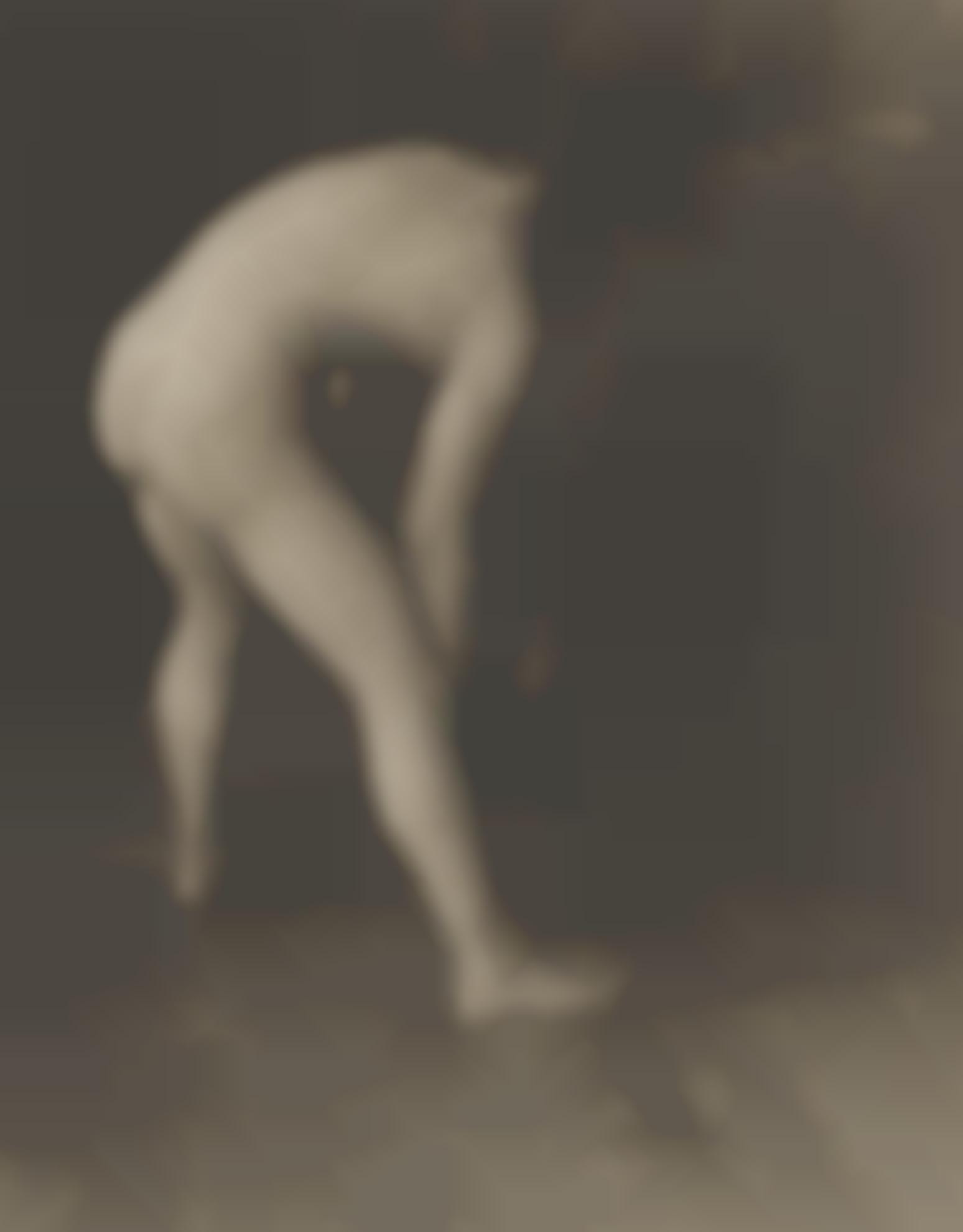 Heinrich Kuhn-Mannerakt Mit Einer Kugel (Male Nude Holding Ball)-1905