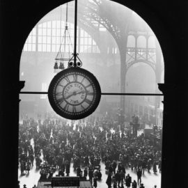 Alfred Eisenstaedt-Famed Clock At Pennsylvania Station In New York City During Wartime (Farewell To Servicemen)-1943