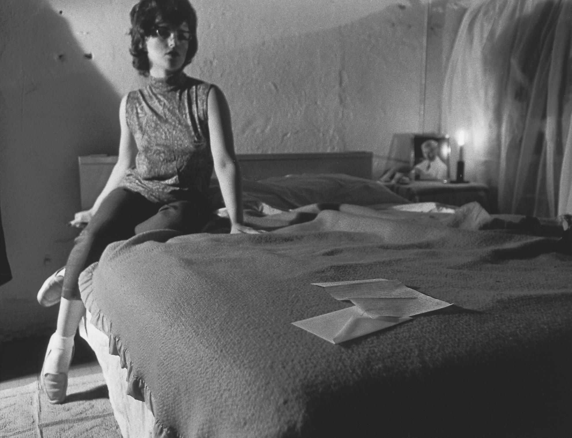 Cindy Sherman-Untitled Film Still #33-1979
