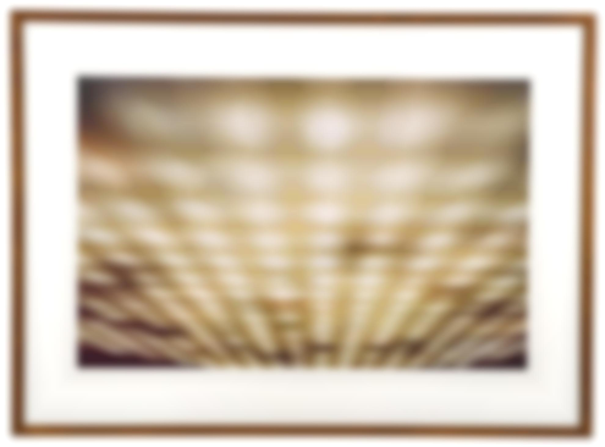 Andreas Gursky-Brasilia, Plenarsaal I-1994