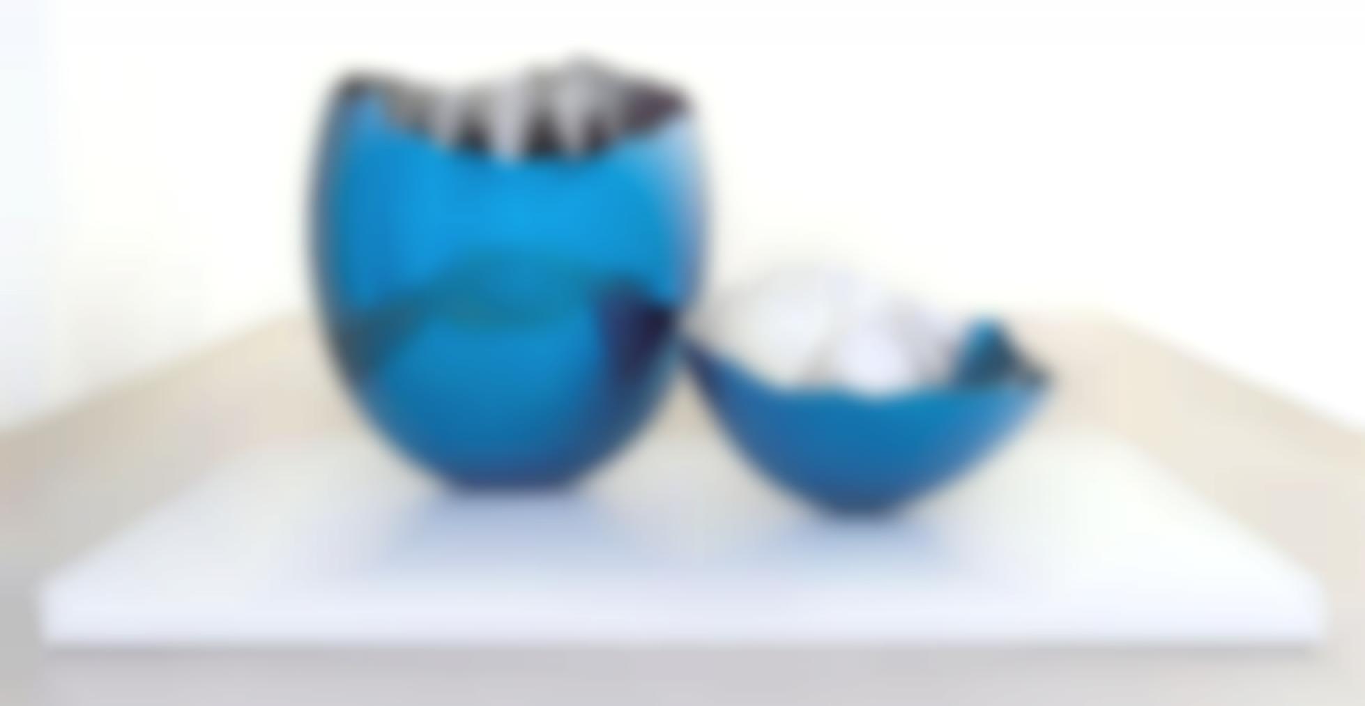 Jeff Koons-Cracked Egg (Blue)-1994