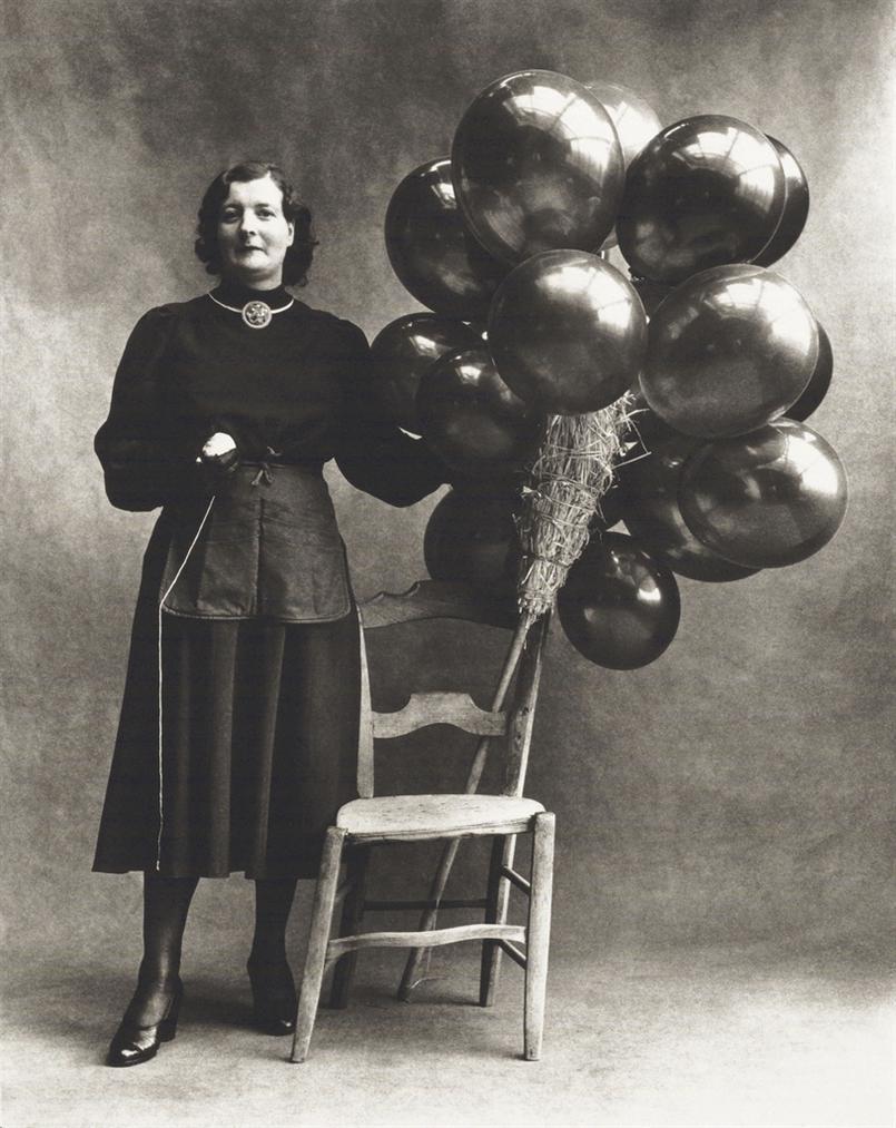 Irving Penn-Marchande De Ballons, Paris-1950