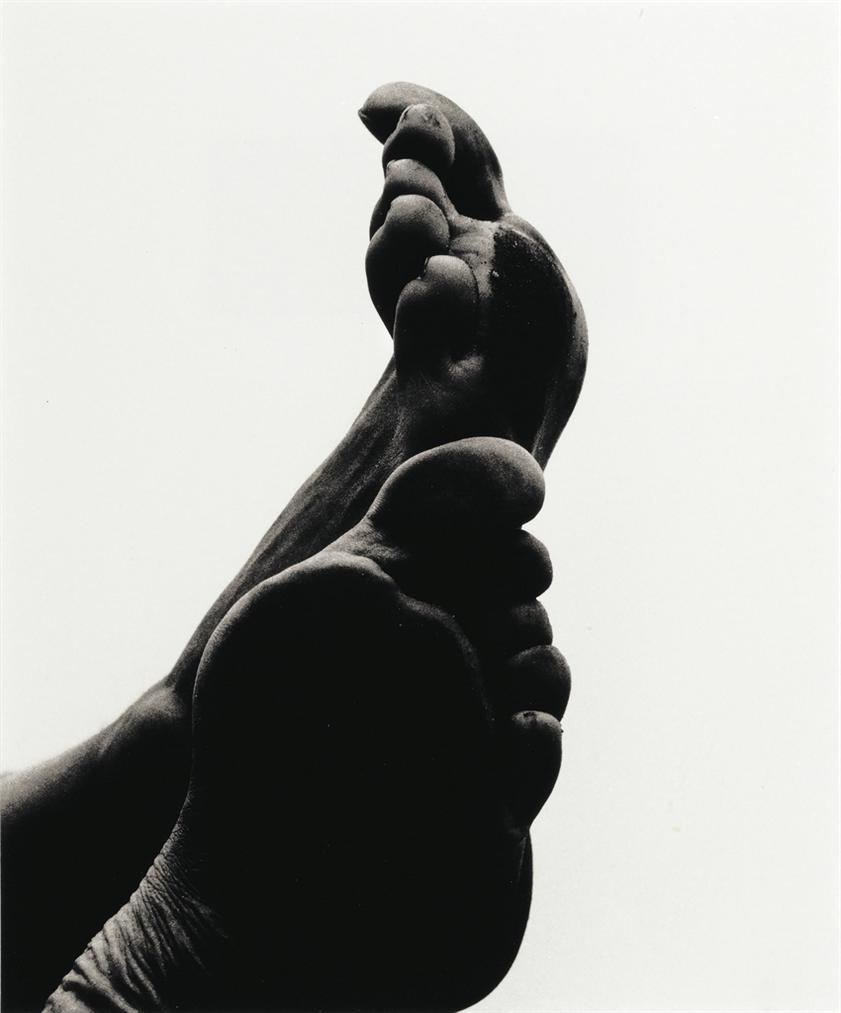 Aaron Siskind-Feet (F133)-1958