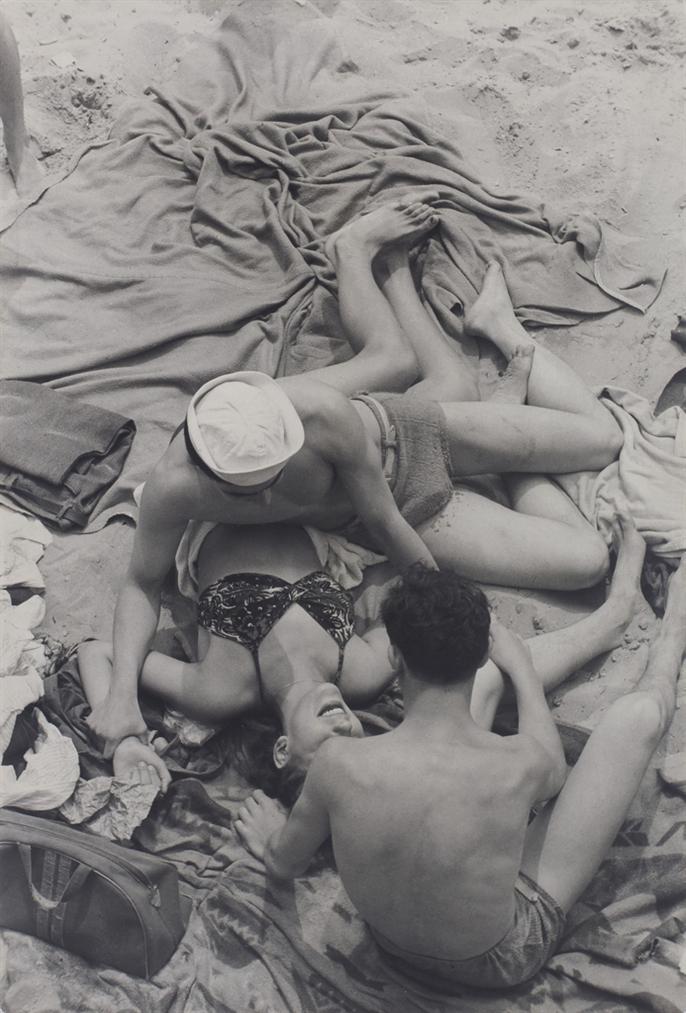 Henri Cartier-Bresson-Coney Island, New York-1946
