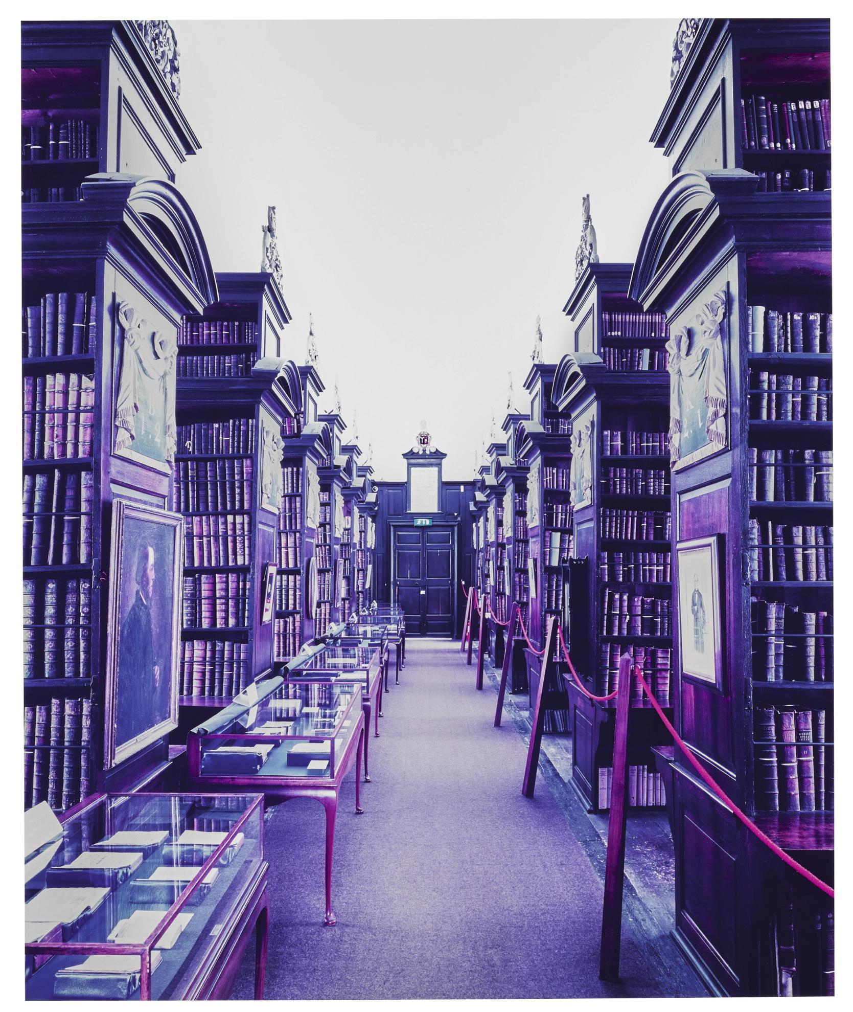 Candida Hofer-Marshs Library Dublin I-2004