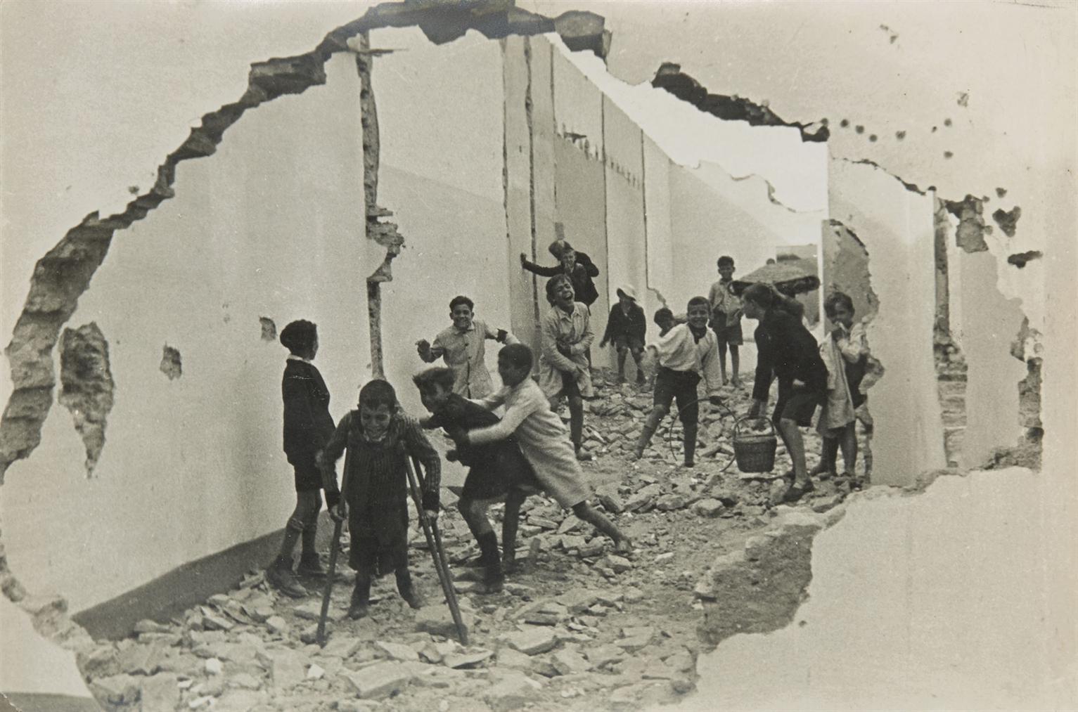 Henri Cartier-Bresson-Seville, Espagne-1933