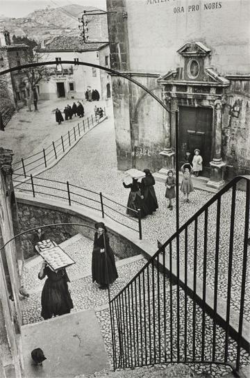Henri Cartier-Bresson-Aquila Degli Abruzzi, Italy-1952
