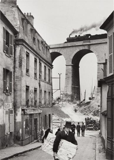 Andre Kertesz-Meudon-1928