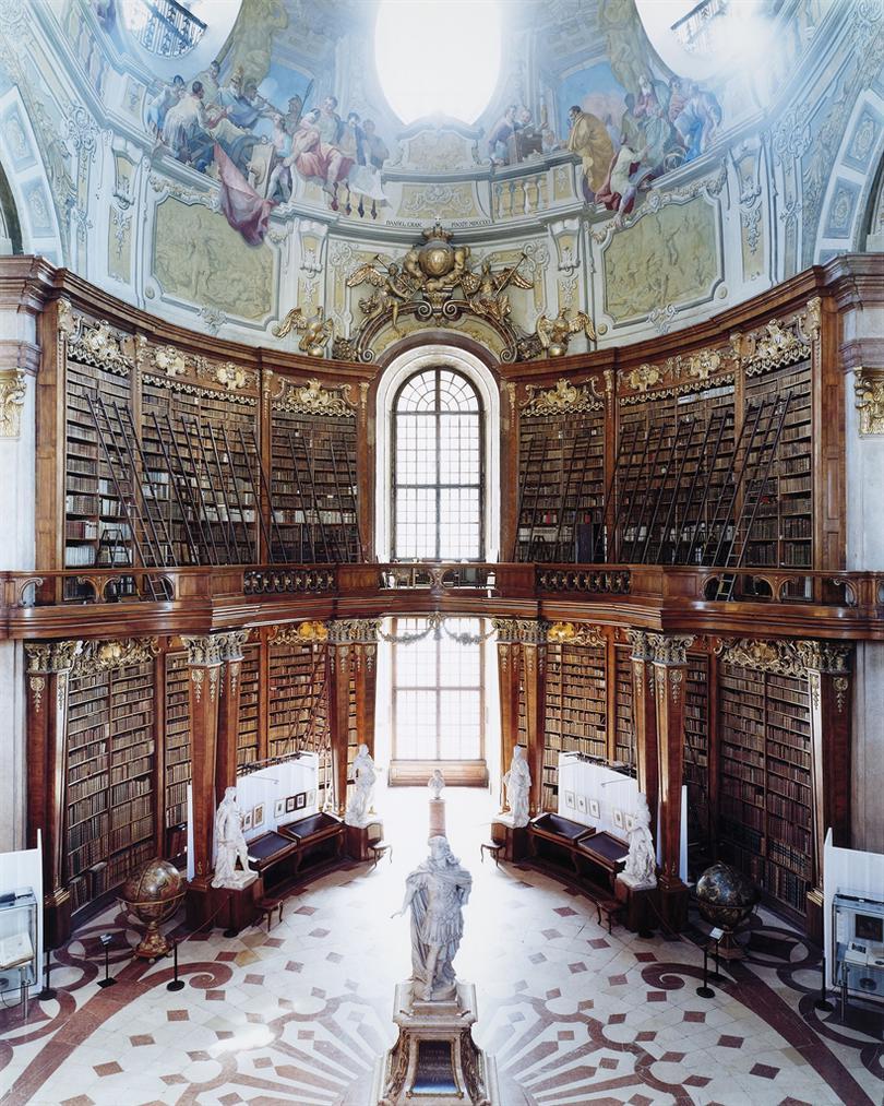 Candida Hofer-Osterreichische Nationalbibliothek Wien VII-2003