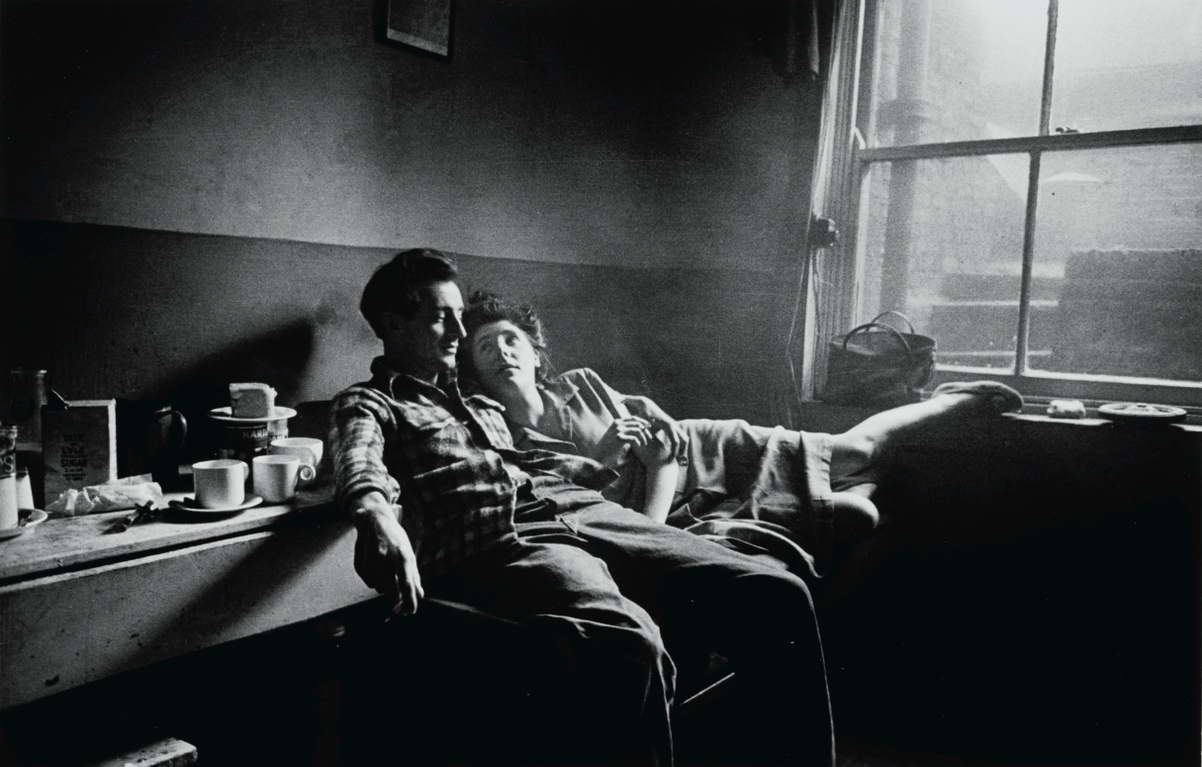 Bert Hardy-Cockney Life At Elephant And Castle, 1949-1949