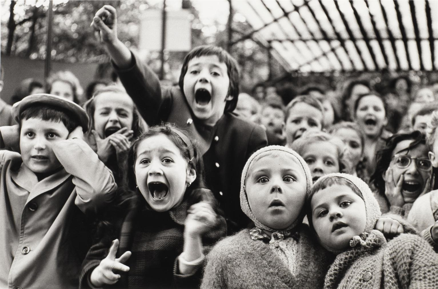 Alfred Eisenstaedt-Children At A Puppet Theatre, Paris-1963