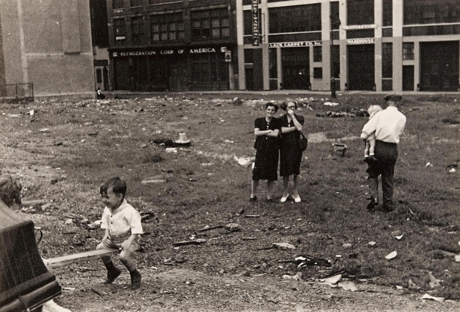 Helen Levitt-New York-1949
