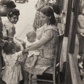 Helen Levitt-New York City-1939