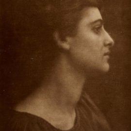 Julia Margaret Cameron-A Greek Ianthe-1870