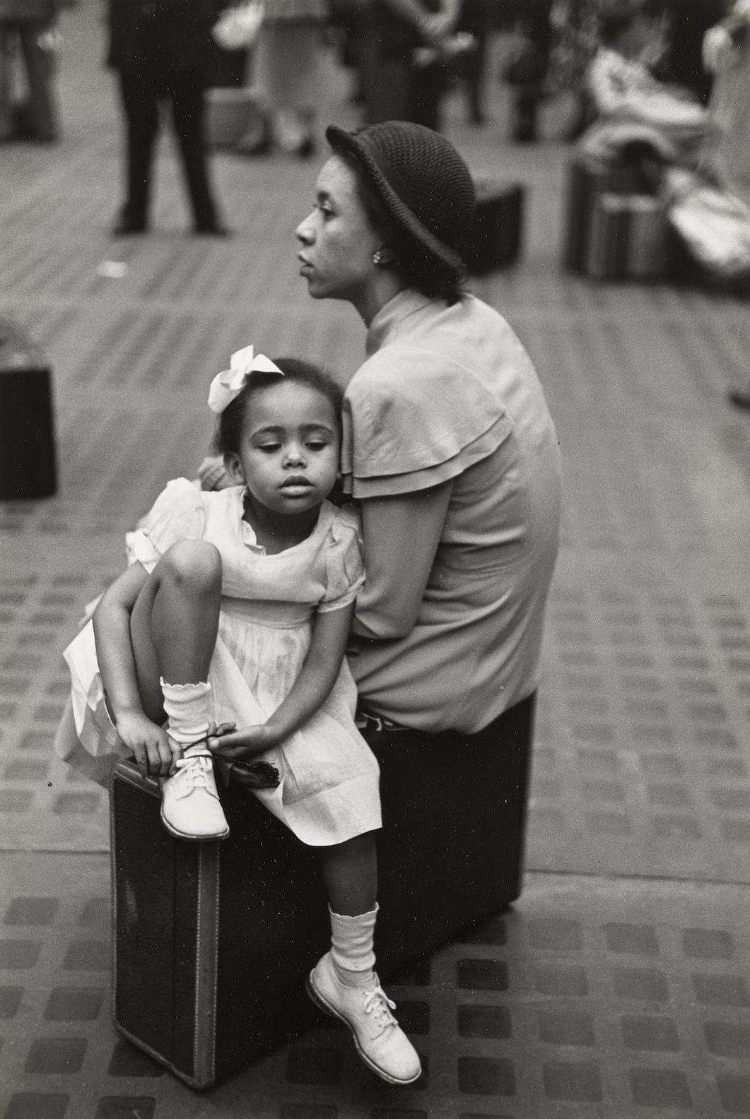Ruth Orkin-Mother And Daughter Waiting At Penn Station, New York-1948