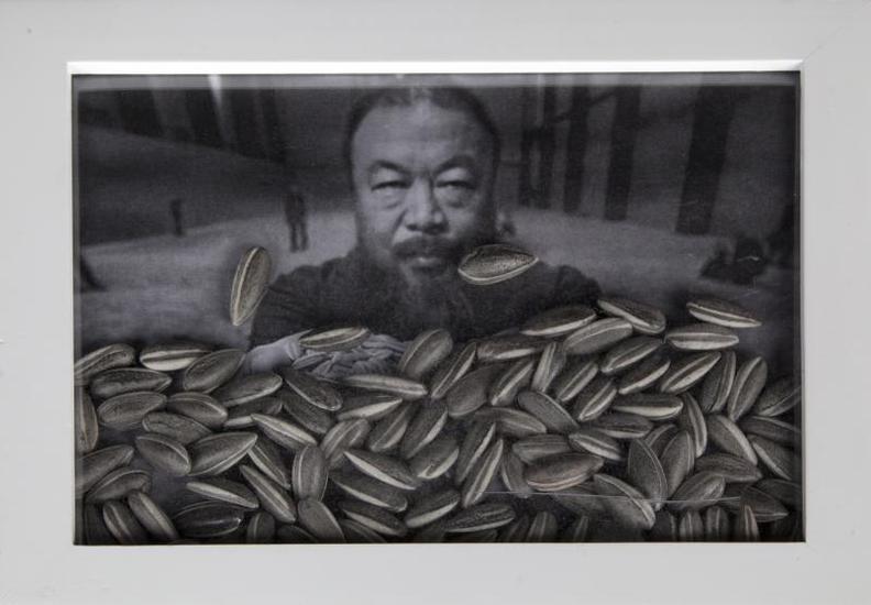 Ai Weiwei-Sunflower Seeds-2010