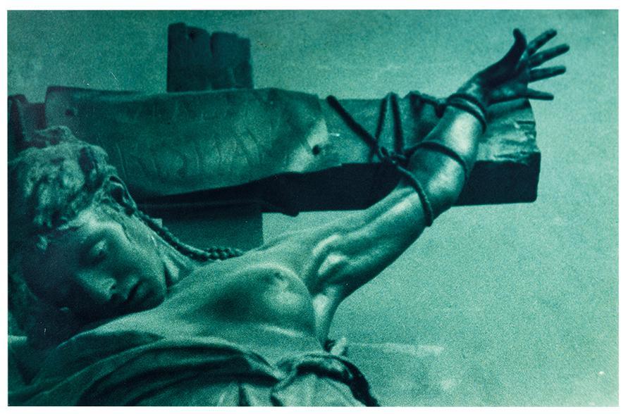 Felix Gonzalez-Torres-Untitled (Crucifixion)-1987