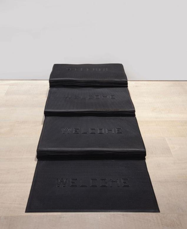 Felix Gonzalez-Torres-Untitled (Welcome)-1991