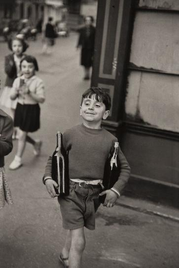 Henri Cartier-Bresson-Rue Mouffetard, Paris-1952