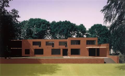 Thomas Ruff-H.l.k. 01-2000