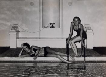 Helmut Newton-La piscine, Vogue France-1975